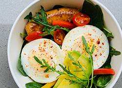Low carb poached egg salad